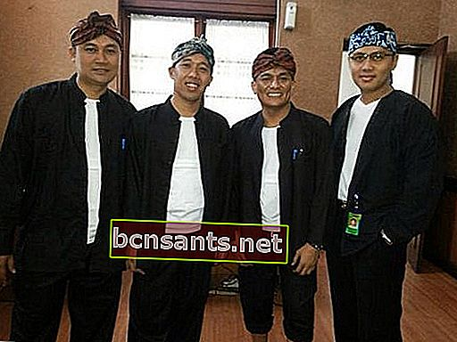 Banten Traditional Clothing and Discussion - เพิ่มสมาร์ท